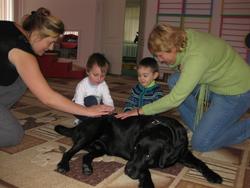 Заняття з собакой-терапевтом